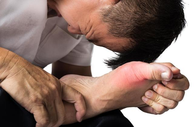What Food to Eat & Avoid if You Have Gout